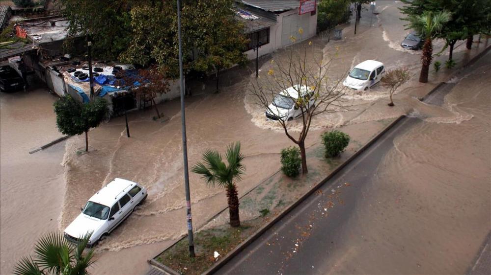 Mersin'de şiddetli yağış ve dolu 1