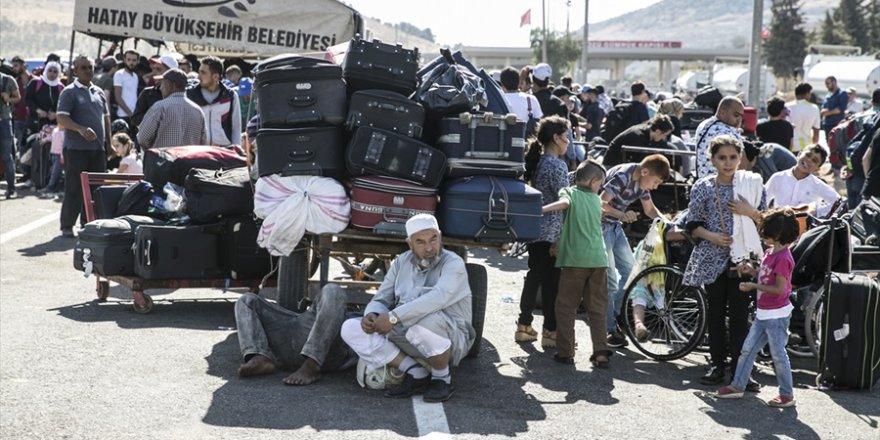 Cilvegözü Sınır Kapısı'ndan bayram geçişleri sürüyor
