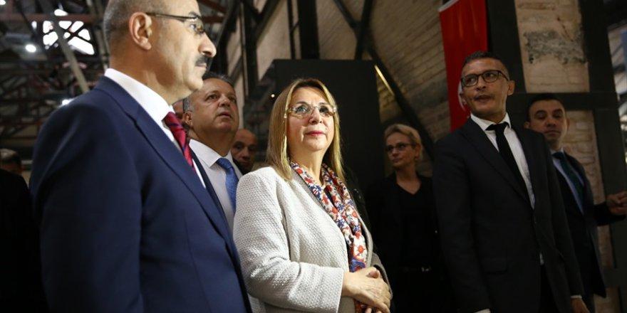 Bakan Pekcan, Adana Müzesi ve Valiliği ziyaret etti