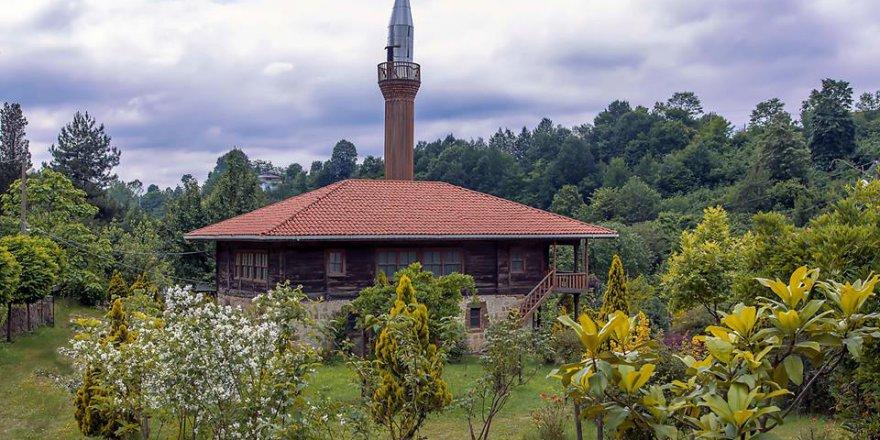 Tarihi Hemşin Cami'inden Kareler..