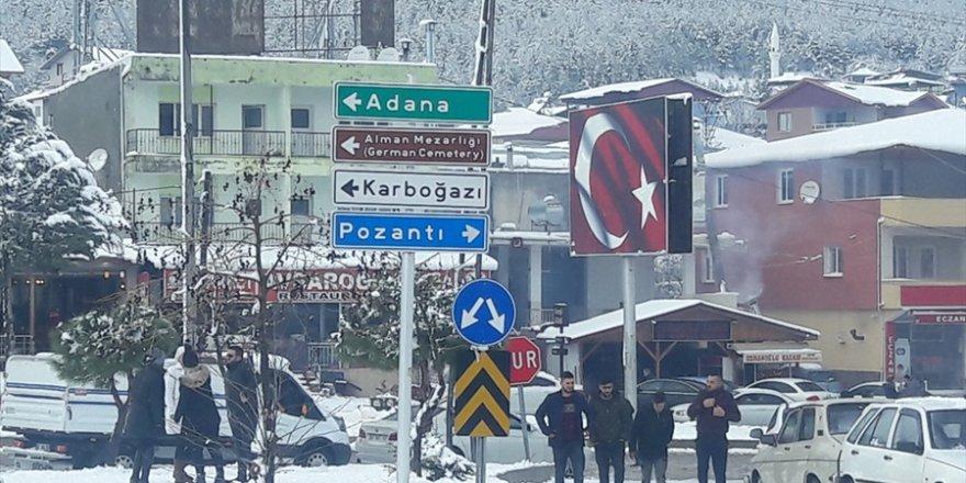 Adanalılar kar görmek için yaylaya çıktı