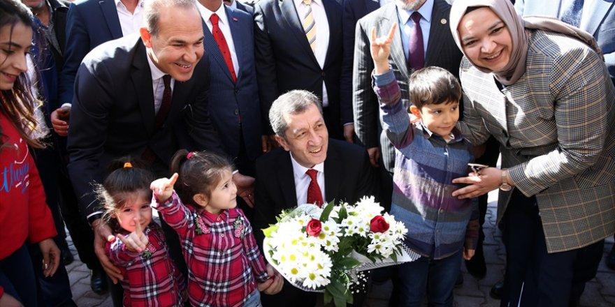 Milli Eğitim Bakanı Selçuk, Adana'da
