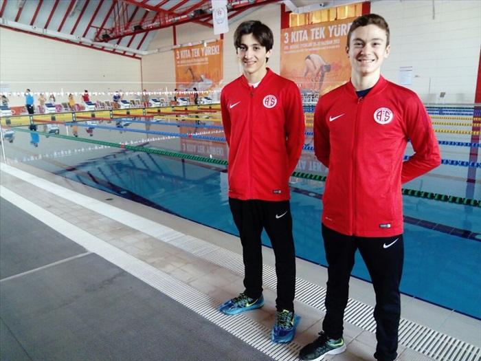 """Antalyaspor'un """"altın kulaçları"""" grup birincisi oldu"""