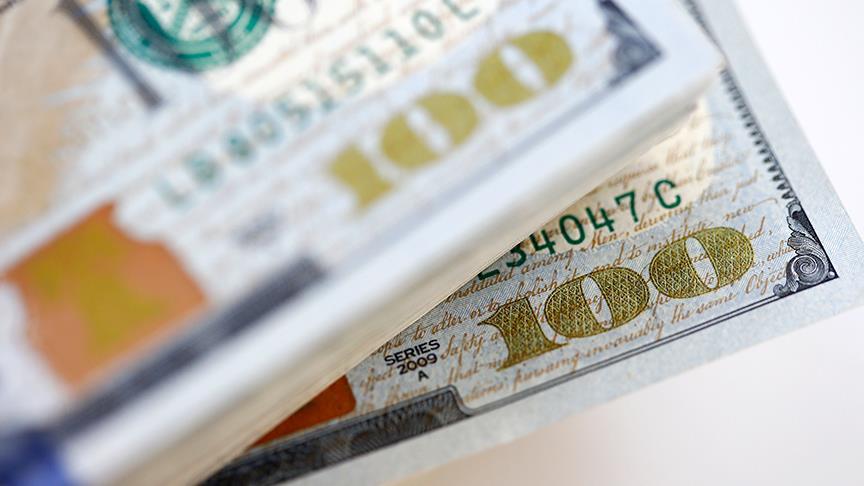 Yerli turist yurt dışında 4,9 milyar dolar harcadı