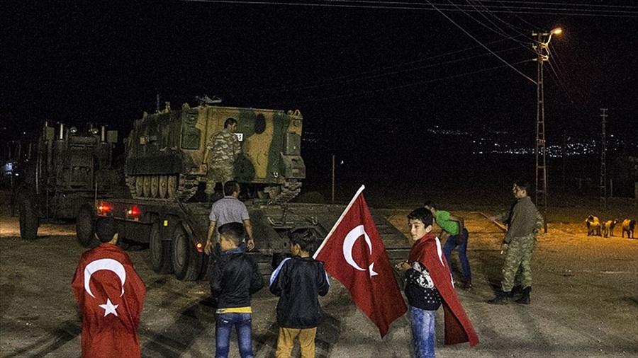 Hatay'a gelen askeri araçlar sınıra sevk edildi