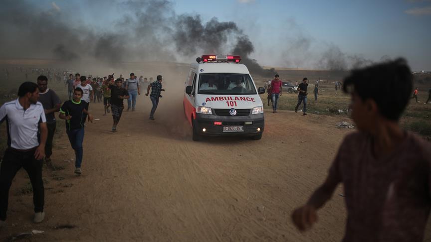 İsrail Gazze sınırında biri sağlık görevlisi iki Filistinliyi şehit etti