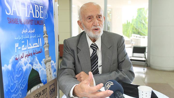 """Prof. Dr. Salih Tuğ, Fuat Sezgin'i Anlatıyor: """"Bir Duvarla Karşı Karşıya Kaldı"""""""