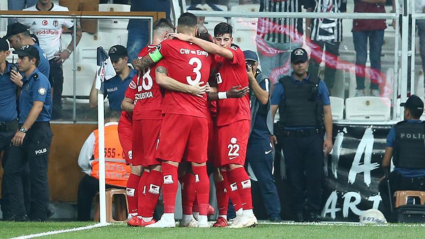 Göztepe: 3 - Antalyaspor: 0
