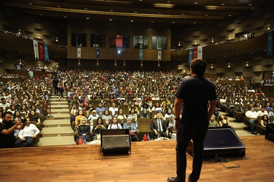 2022 mezunları oryantasyon ile üniversite hayatına adım atacak