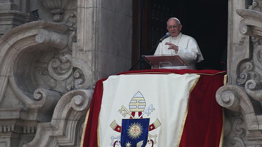 Papa'dan ırkçı siyasi söylemlere eleştiri