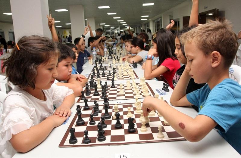 Erdemli'de öğrenciler geleceğe hamle yaptılar