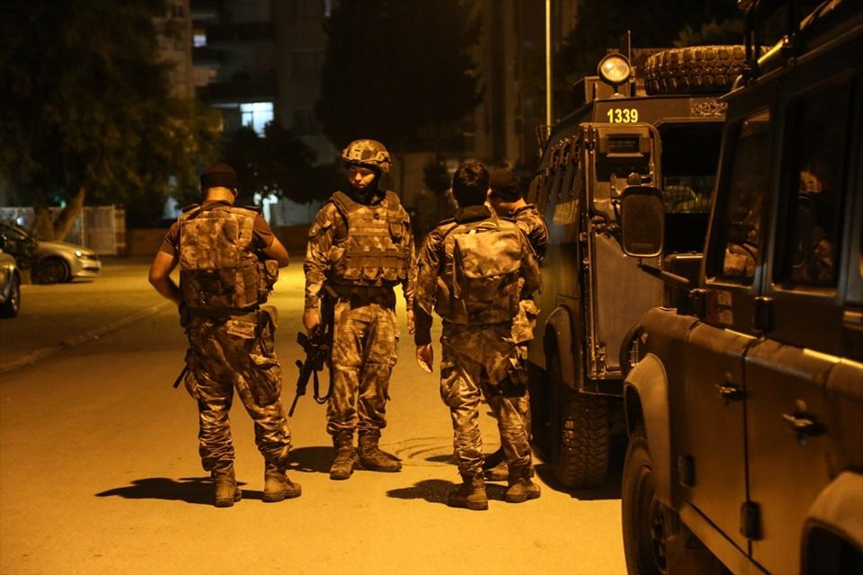 Adana'da FETÖ/PDY operasyonu: 16 gözaltı