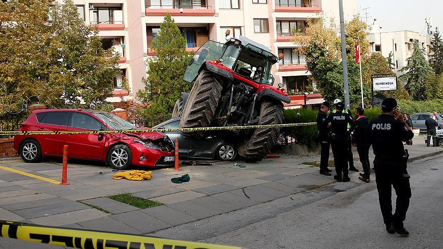 Ankara'da traktörle araçlara çarpan kişi tutuklandı