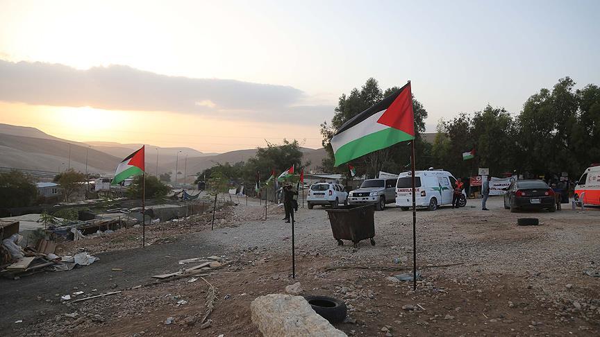 İsrail Han el-Ahmer'in yıkımından geri adım atmıyor