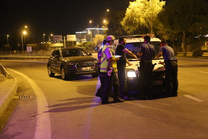 Ehliyetine 5 kez el konuldu yine direksiyon başında alkollü yakalandı