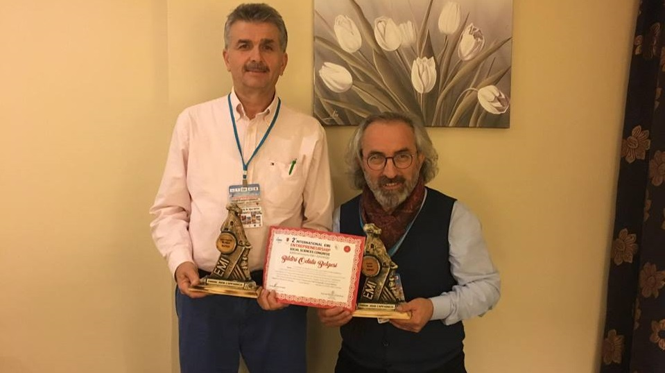Prof. Dr. Asım Yapıcı, Doç. Dr. Oğuz Kutlu, Doktorant Şadiye Korkmaz'ın Ortak Bildirisi,'En İyi Bildiri' Ödülüne Layık Görüldü..