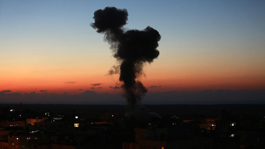 İsrail'den Gazze'ye hava saldırısı: 3 Filistinli şehit oldu