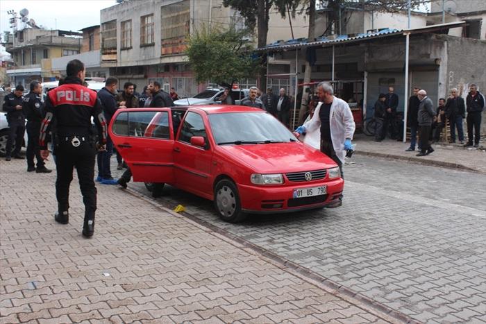 Adana'da otomobilinde silahlı saldırıya uğrayan kişi öldü