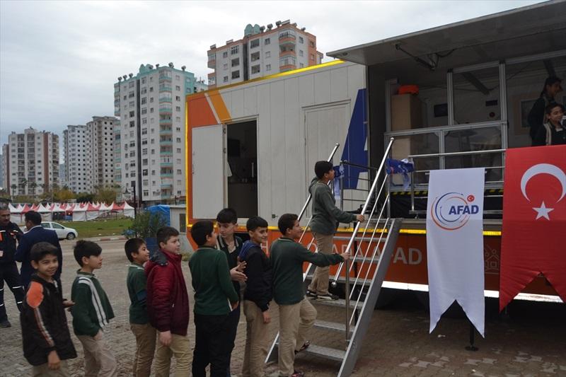 AFAD Deprem Simülasyon Tırı Adana'da
