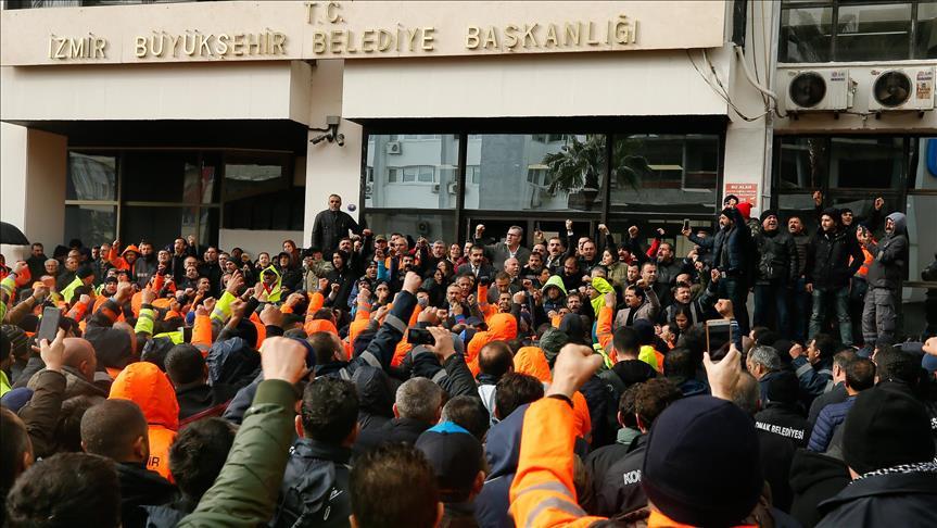 İzmir'de 'hayatı durduran' işçi eylemi