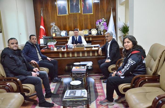 Muay Thai Federasyonu Asbaşkanı Şentürk, İl Müdür Vekili Ataşbak'ı Ziyaret Etti.