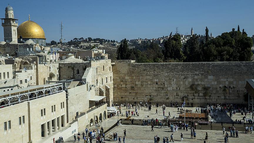 Kudüs ulemasından İsrail'in Ağlama Duvarı'nı 'restore' etmesine kınama
