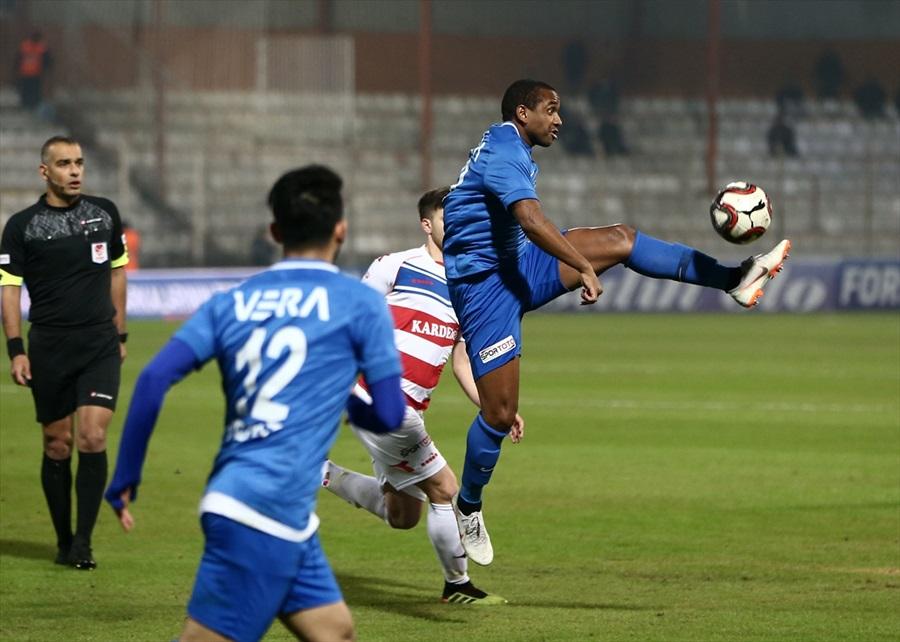 Adana Demirspor: 1 - Kardemir Karabükspor: 0