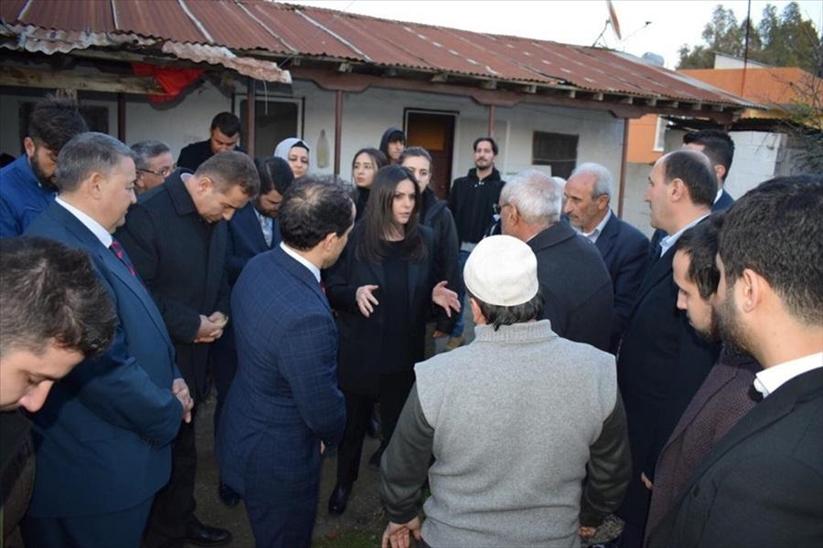 Sarıeroğlu Adana'da sağanaktan zarar gören yerleri inceledi