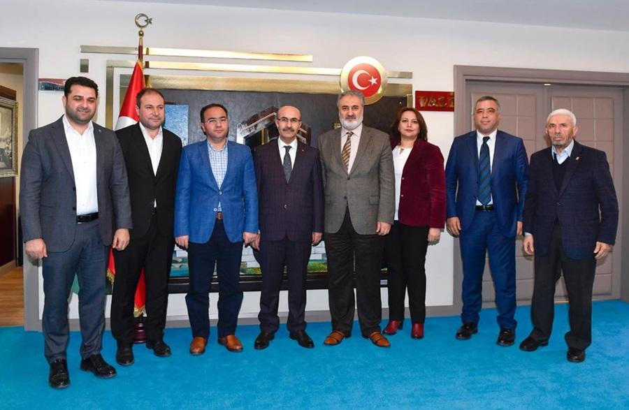 """""""Eğitime Destek Platformu"""" Temsilcileri Vali Demirtaş'ı Ziyaret Etti"""