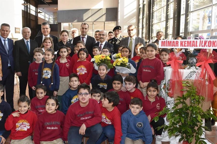 """Vali Demirtaş, """"Müzede Geleneksel Dokunuşlar'' Sergisinin Açılışını Gerçekleştirdi"""