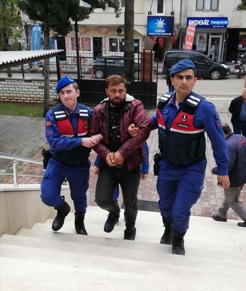 Adana'da çok sayıda suçtan aranan zanlı suçüstü yakalandı