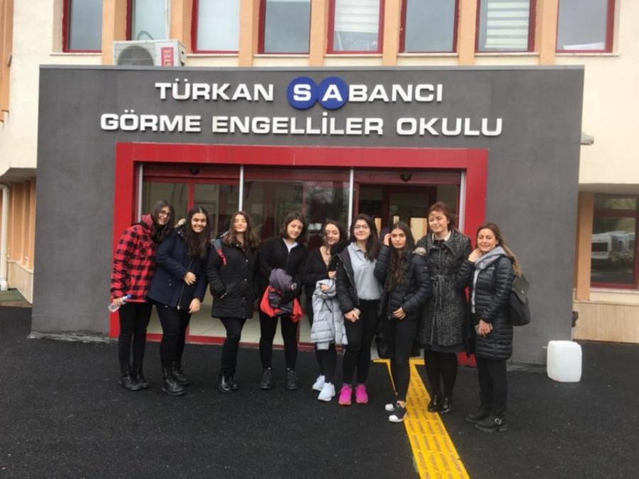 """Kültür Koleji Fen Lisesi Öğrencileri """"Eğitimde Engel Yok Dayanışma Var"""""""