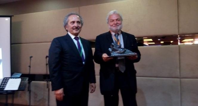 Çukurova Ödülü Nedim Gürsel'e verildi