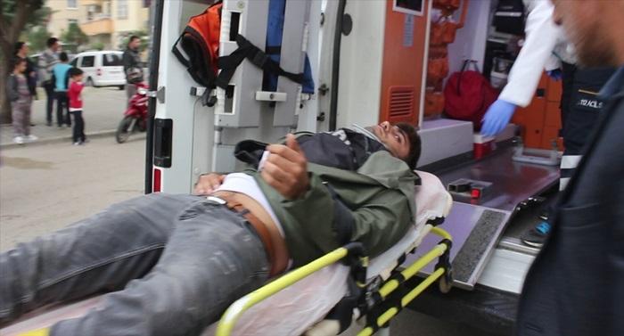 Adana'da motosiklet ile otomobil çarpıştı: 1 yaralı