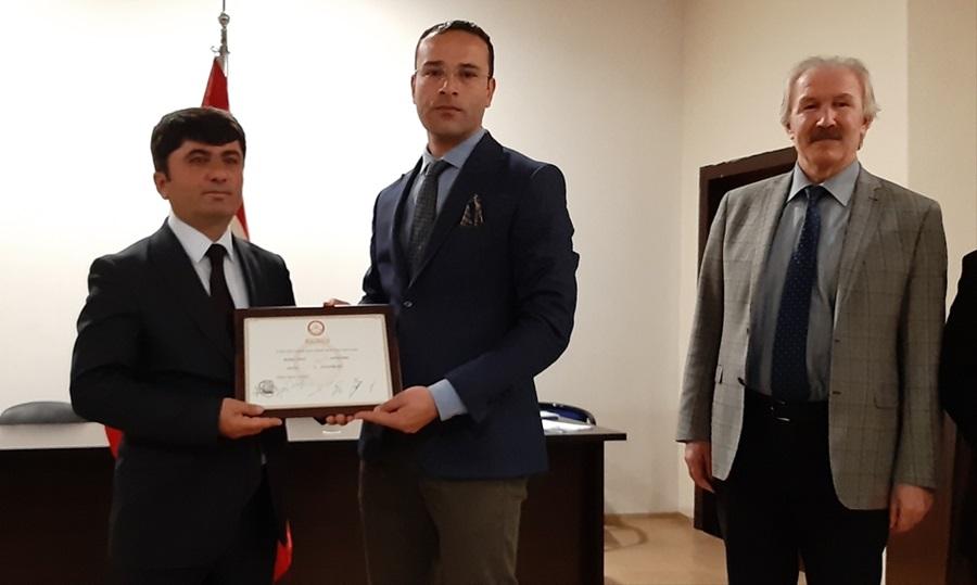 Tufanbeyli Belediye Başkanı Ergü mazbatasını aldı.
