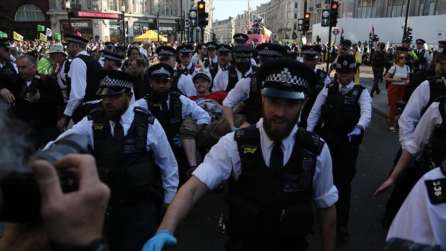 Londra'daki çevreci işgal eyleminde gözaltı sayısı 682 oldu