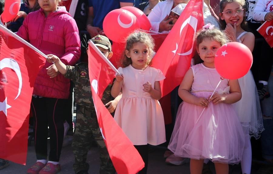 Çukurova'da 23 Nisan Ulusal Egemenlik ve Çocuk Bayramı kutlanıyor