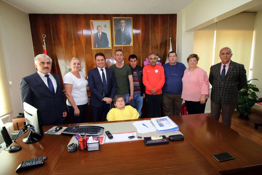 Ataşbak, Koltuğunu 23 Nisanda Pırıl Aktaşoğlu'na Bıraktı