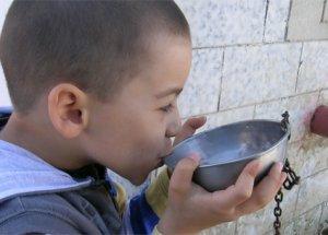 Suyu Oturarak İçmenin Müthiş Sırrı