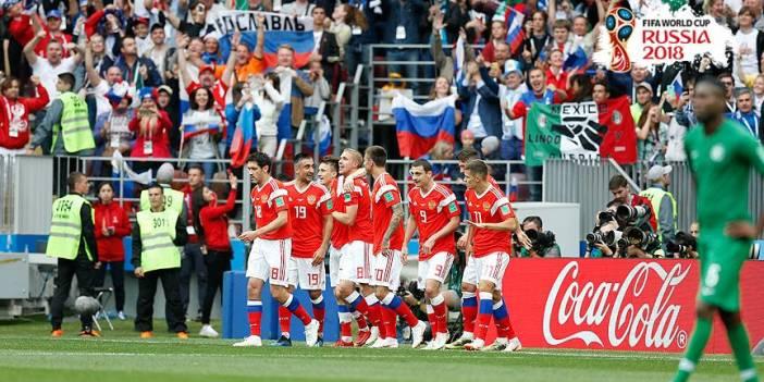 Dünya Kupası'nda iki grupta 4 maç oynanacak