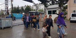 Adana'da 60 düzensiz göçmen yakalandı