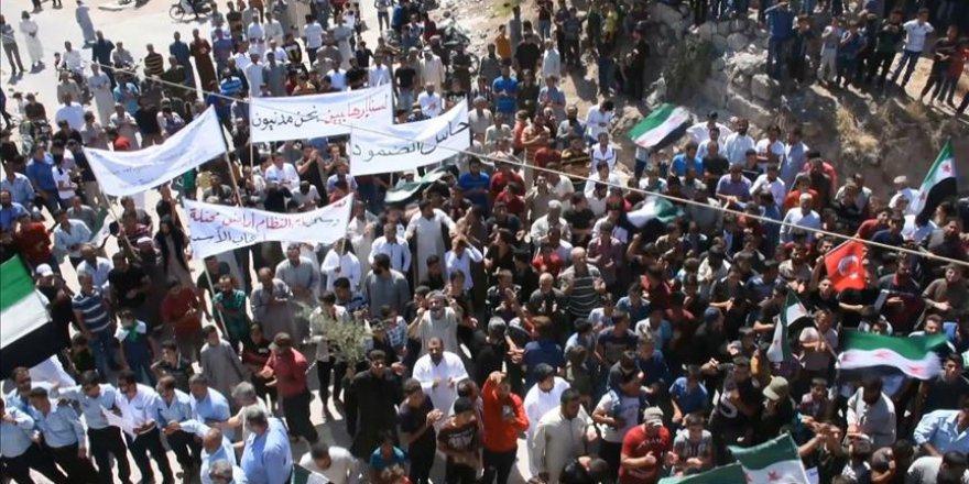 İdlib'de rejim karşıtı gösteriler düzenlendi