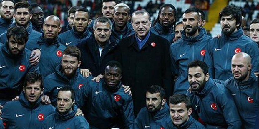 Cumhurbaşkanı Erdoğan: Bu millet, terörü bir ve beraber olarak bitirecektir