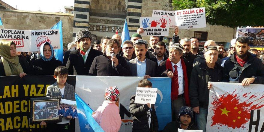 """Eraslan:""""Bizler terörist değiliz, Doğu Türkistan halkı da terörist değildir.."""""""
