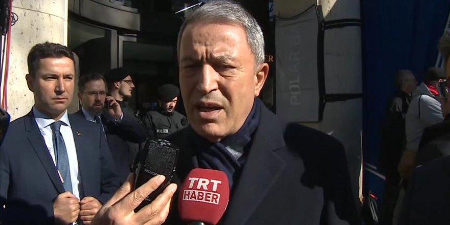 """Milli Savunma Bakanı Akar'dan """"Güvenli bölge"""" açıklaması"""