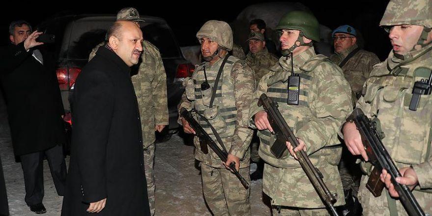 Milli Savunma Bakanı Işık Şırnak'ta